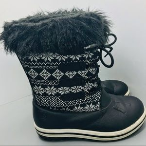 Rugged Outbreak Winter snow Boots  black and white snow flakes size 6 mens